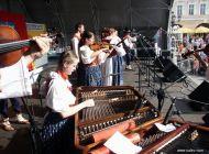 Zábavný program - Moderní i historická hudba